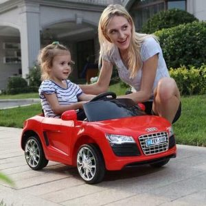 Xe ô tô điện trẻ em FEY 5189 có 3 màu đỏ, trắng, hồng.