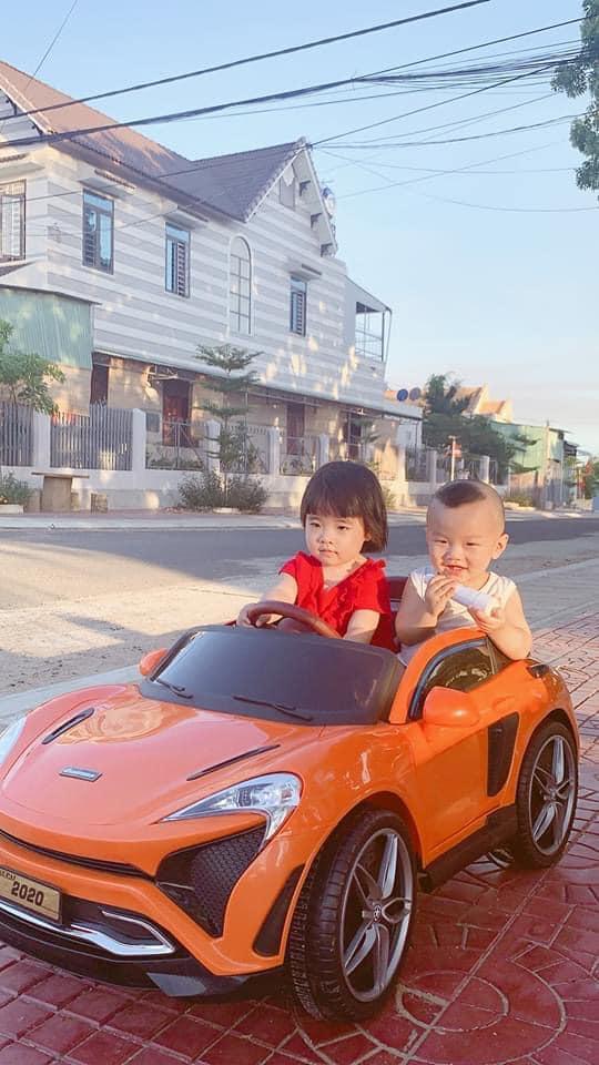 Chế độ bé tự lái xe ô tô điện trẻ em Kupai 2020