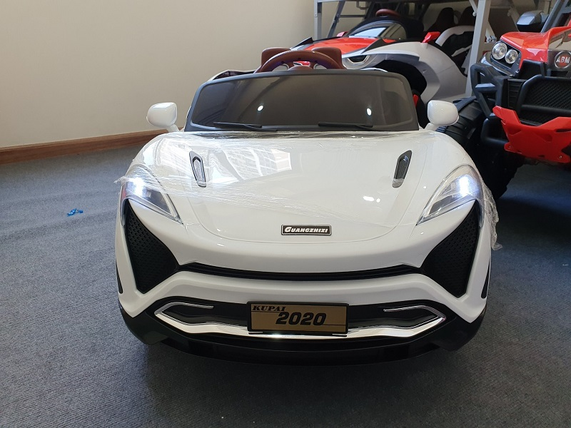 Phần đều xe ô tô điện trẻ em Kupai 2020 hiện đại, thể thao