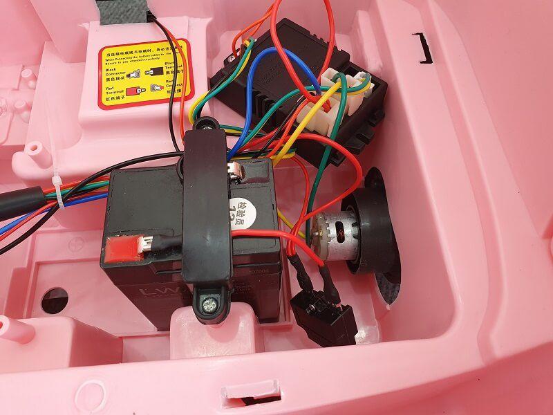 Xe ô tô điện trẻ em FEY 5189 vận hành bền bỉ