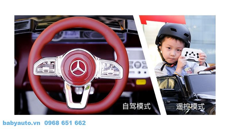 Xe có thiết kế vô lăng đẹp, bắt mắt giúp bé tự lái vận động học tập vui chơi
